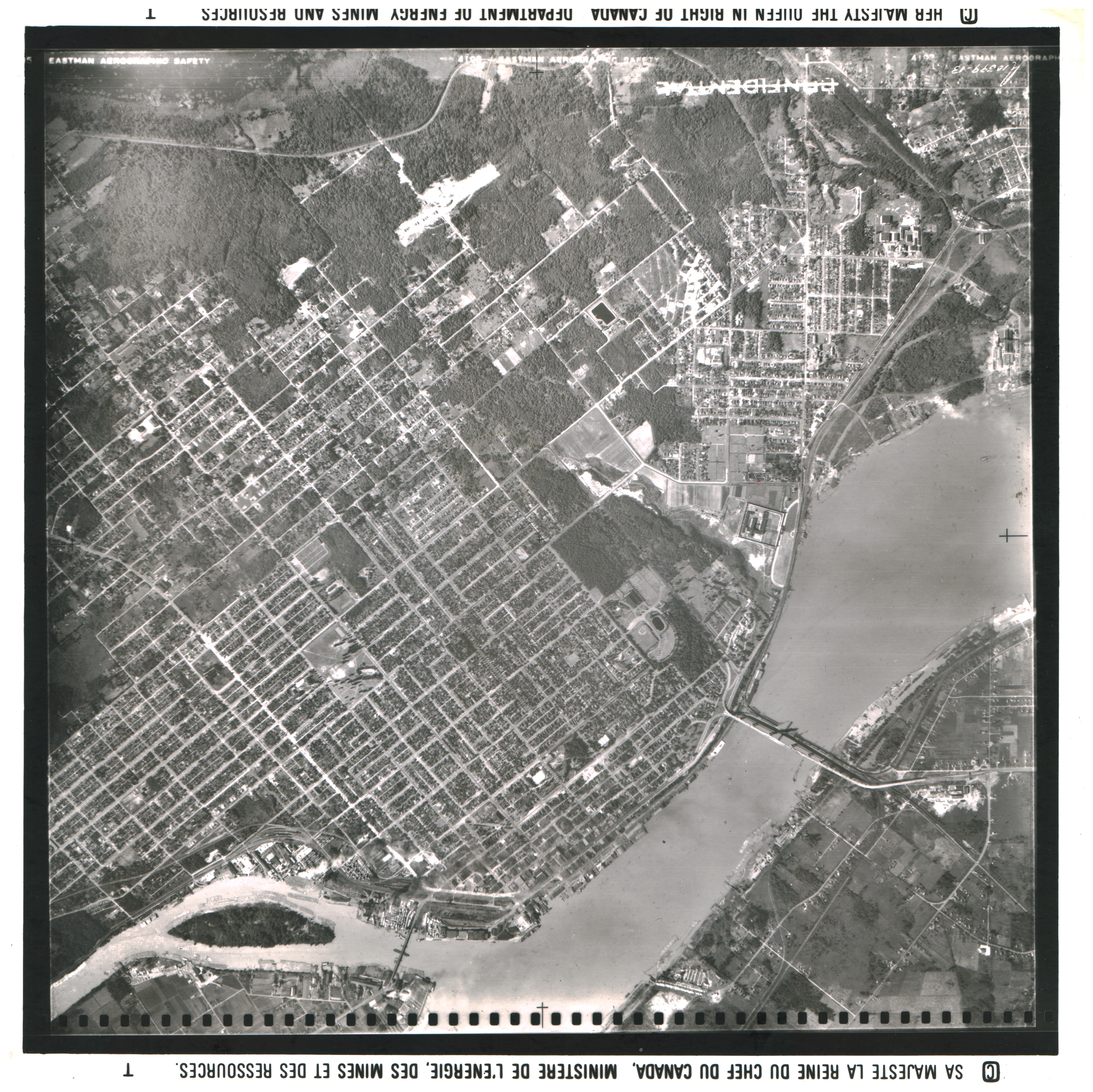 Public domain image provided courtesy of the National Air Photo Library